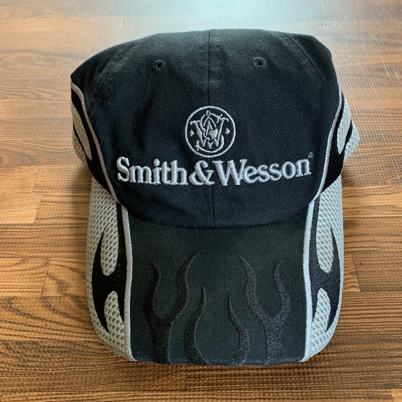6a64de071 Smith & Wesson Black and Silver Baseball Cap